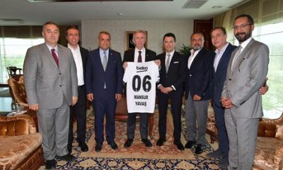 Anadolu Beşiktaşlılar Derneği'nden Ankara Büyükşehir Belediye Başkanı Mansur Yavaş'a ziyaret