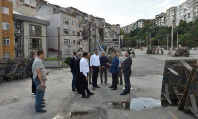 Beşiktaş'ta yağış önlemleri alındı, Başkan Akpolat esnaf ve vatandaşları ziyaret etti