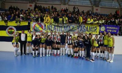 Fenerbahçe'den Beşiktaş voleybol takımına jest! As oyuncular maaşlarını alamadıkları için serbest kalmıştı…