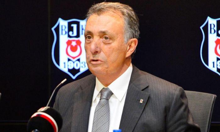 Ahmet Nur Çebi'nin dirseği kırıldı!
