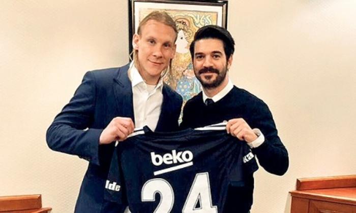 Vida'nın menajerinden Beşiktaş'a 11 Milyon TL'lik alacağı için ihtar