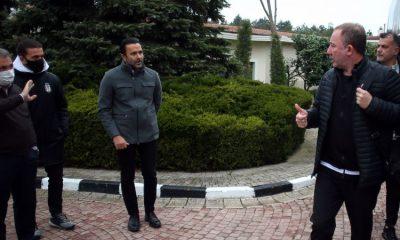 Başkan Ahmet Nur Çebi ve Emre Kocadağ, Kayserispor karşılaşması için takımı uğurladı