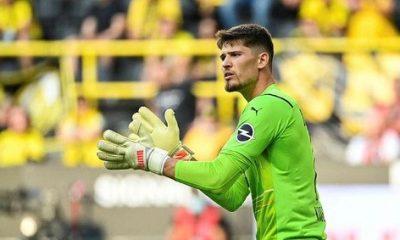 Borussia Dortmund 9 gol yiyen Gregor Kobel'e sahip çıktı